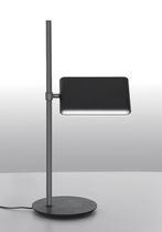 Lámpara de mesa / moderna / de aluminio / orientable