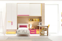 Habitación para niños para niña / blanca