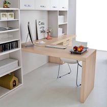 Escritorio de madera / moderno / profesional / con estantes