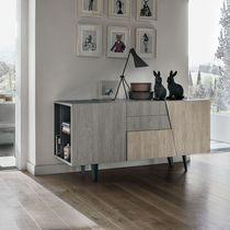 Aparador moderno / de madera / de metal pintado / laminado