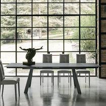 Mesa moderna / de gres porcelánico / de metal pintado / de metal cepillado