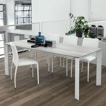 Mesa de comedor moderna / de MDF / de vidrio templado / de aluminio pintado