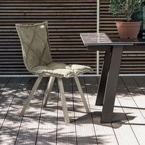 Silla moderna / tapizada / de metal pintado