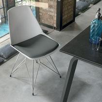 Silla moderna / tapizada / de metal pintado / de polipropileno