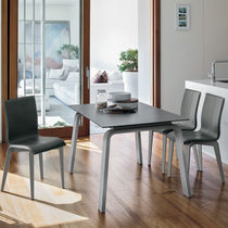 Mesa de comedor / moderna / de gres porcelánico / de material laminado