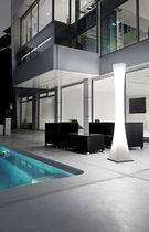 Columna luminosa moderna / de policarbonato / LED / de exterior