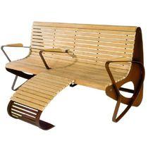 Banco público / de diseño original / de madera / de acero galvanizado