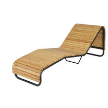Chaise longue moderna / de madera / de acero galvanizado / outdoor