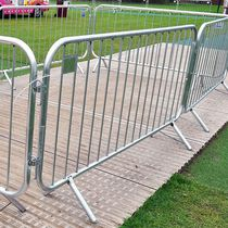 Barrera de foule / autoportante / de acero / para espacio público
