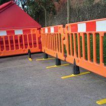 Barrera de protección / de tráfico / autoportante / de plástico