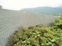 Muro de contención de piedra / de sobre suelo reforzado / de tráfico