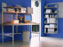 Mesa de trabajo moderna / de madera / para edificio público / ajustable en altura