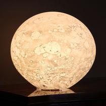 Lámpara de mesa / de diseño original / de vidrio soplado / interior