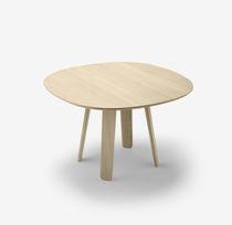 Mesa moderna / de roble / redonda / ovalada