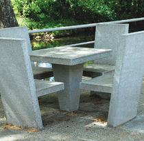 Mesa de pícnic moderna / de hormigón / cuadrada / para espacio público