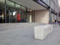 Banco público / moderno / de hormigón