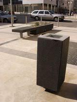 Cubo de basura público / de acero inoxidable / de hormigón / con cenicero integrado