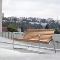 Banco público / moderno / de madera maciza / con respaldo
