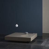 Mesa de centro moderna / de MDF lacado / cuadrada / de interior