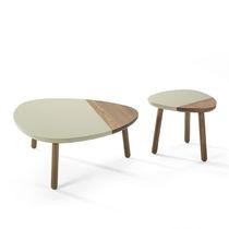 Mesa de centro moderna / de roble / de nogal / de madera maciza