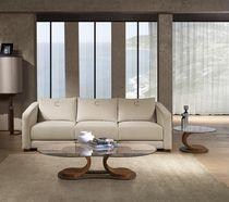 Mesa de centro moderna / de nogal / ovalada / de interior