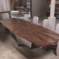 Mesa de comedor moderna / de madera / ovalada / extensible