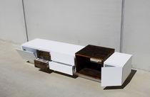 Aparador de diseño original / de madera maciza / de madera lacada mate / a medida