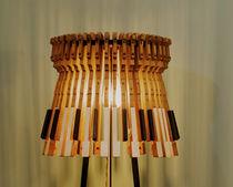 Lámpara de pie / de diseño original / de hierro / de madera