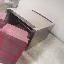 Mesa de centro / de diseño original / de acero inoxidable pulido / de acero pintado