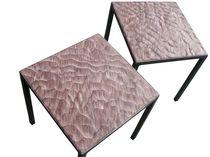 Mesa auxiliar / de diseño minimalista / de piedra reconstituida / de metal patinado