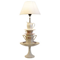 Lámpara de mesa / de diseño original / de porcelana / de interior