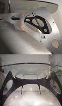 Mesa de diseño original / de vidrio / de metal / ovalada