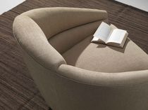 Sillón moderno / de textil / giratorio / beis