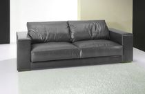 Sofá moderno / de cuero / 3 plazas / negro