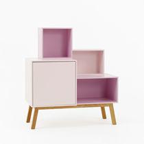 Aparador moderno / de madera lacada / de MDF lacado / con estantes