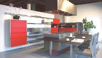 Cocina moderna / de acero inoxidable / de material laminado / con isla