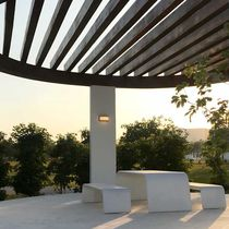 Mesa moderna / de hormigón / rectangular / de exterior