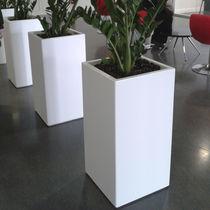 Jardinera de material compuesto / rectangular / a medida / con ruedas