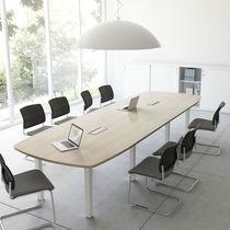 Mesa de reuniones moderna / de madera / rectangular / redonda