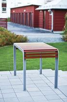 Mesa de diseño escandinavo / de madera / rectangular / para hotel