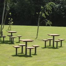 Mesa de pícnic moderna / de madera / de metal / para espacio público