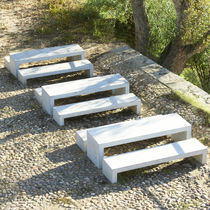 Mesa de pícnic moderna / de hormigón armado / para espacio público / profesional
