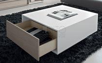 Mesa moderna / de madera lacada / rectangular / con cajón