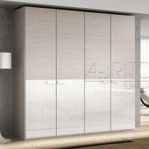 Armario moderno / de melamina / con puerta abatible