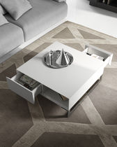 Mesa de centro moderna / de madera lacada / cuadrada / de interior
