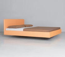 Cama doble / flotante / moderna / de tela