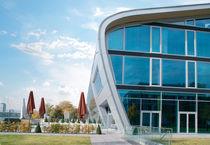 Revestimiento de fachada de material compuesto / de aluminio / prelacado / cepillado