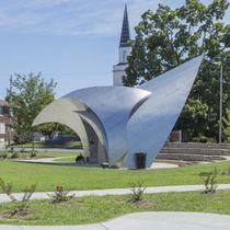 Escultura de acero inoxidable / para espacio público / de exterior