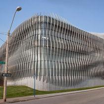 Revestimiento de fachada de aluminio / perforado / de panel