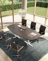 Mesa de reuniones moderna / de madera